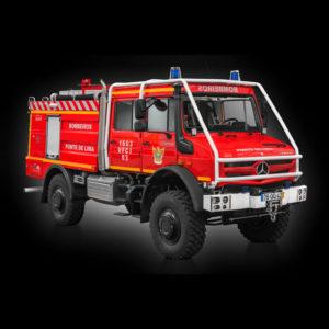 Vehiculo para bomberos con Jacinto